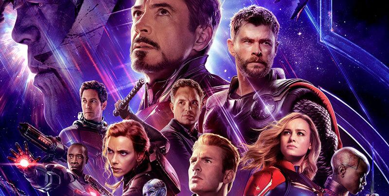 many Marvel superheroes pose